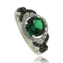 Beautiful Silver Ring With Emerald Gemstone In Round Cut and Zirconia