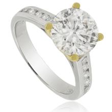 Maravilloso anillo de plata con solitario de zirconia