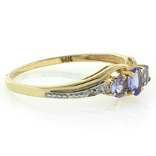 14K Gold Ring with Diamonds and 0.37 tcw Tanzanite