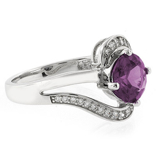 Elegant Alexandrite Blue to Pink Ring in .925 Silver
