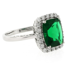Beautiful Green Emerald Ring in .925 Silver
