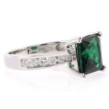 Emerald .925 Silver Ring Princess Cut Stone