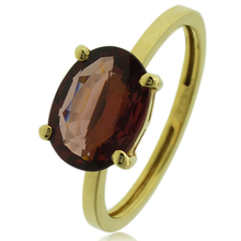 Anillo de Granate Genuina en Oro de 14K 9 mm x 7 mm