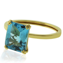 14K Gold Ring with Great Genuine Blue Topaz Gemstone