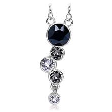 Precioso collar con cristal Swarovski en tonos color Negro