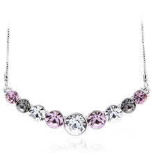 Hermoso Collar de Swarovski color Amatista