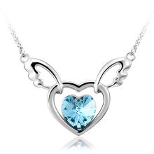 Bonito Collar de Corazón Azul con Alas