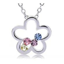 Flower Necklace with Swarovski Crystal