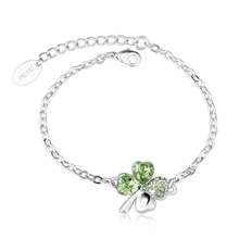 Swarovski Bracelet with Peridot colored clover