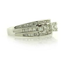 Anillo de Compromiso con Diamantes en Oro Blanco 18k