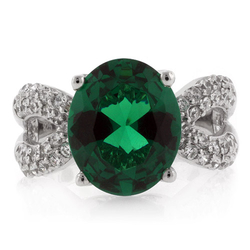 Big Oval Cut Stone Coctail Emerald Ring