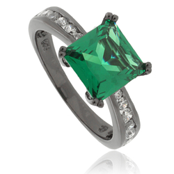 Princess-Cut Emerald .925 Black Silver Ring