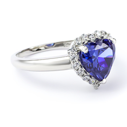 Beautiful Tanzanite Ring in 925 Sterling Silver Heart