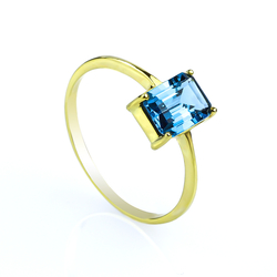 14K Solid Yellow Gold Ring with a Genuine London Topaz Stone