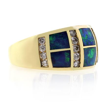Anillo de Oro Macizo con Opalo y Diamantes