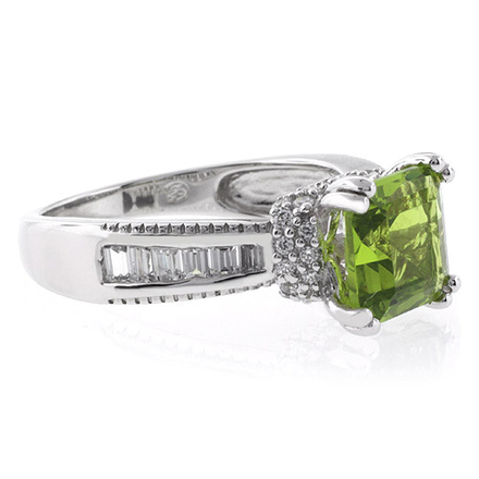 Square Cut Majestic Peridot Silver Ring