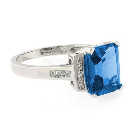 69d8d1727237 Anillo Elegante de Plata .925 con Topacio Azul