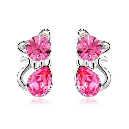 Cute pair of cat earrings, made with Swarovski and Rhodium crystal. Measures: 0.9 x 1.7 cms